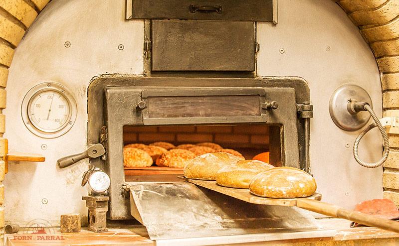 Pan en el horno Forn del Parral
