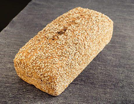 Pan de Molde Ecológico de Espelta Integral con Pipas y Sésamo de Levadura Madre. Cortado