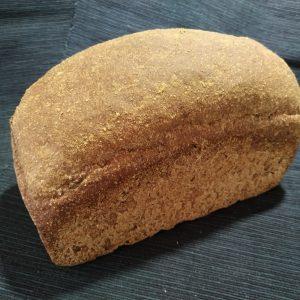 Pan de molde casero Integral con Algarroba de fermentación mixta. Cortado